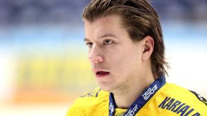 Mika Partanen spelar ishockey i den finska ligan för Jukurit.