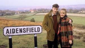 Brittiläinen suosikkisarja Sydämen asialla kertoo elämästä 1960-luvulla pikkukylässä Aidensfieldissä.