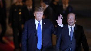 Donald Trump anlände till Vietnam på tisdag kväll