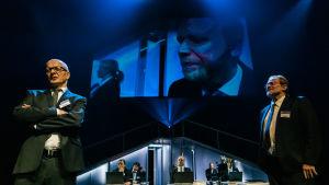 Foto från Yhdestoista hetki på Nationalteatern.