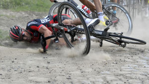 Greg Van Avermaet vurpar under den 112 upplagan av Paris–Roubaix, april 2014