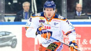 Niko Mikkola spelade i Tappara 2017-2018.