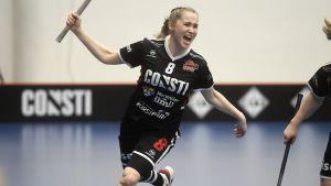 Jaana Lirkki jublar efter sitt segermål