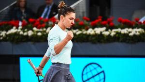 Simona Halep nöjd över segern i Madrid.