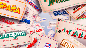 Flera vykort med hälsningar på olika europeiska språk.