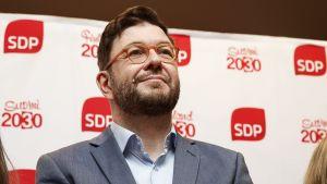 Timo Harakka efter SDP:s presskonferens 4.6.2019.
