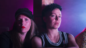 Joanna Wingren och Nina Matthis från Blaue Frau-produktionen Harlequin.