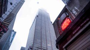 Helikopter kraschlandade på taket av en byggnad på Manhattan i New York 10.6.2019.