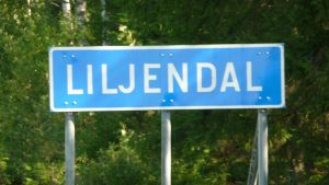 Skylt som det står Liljendal på.