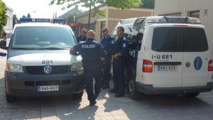 Polisens närvaro var en av faktorerna att regattan hölls lugn.