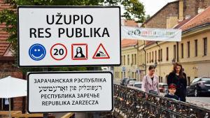 Infart till republiken Užupis i Vilnius.