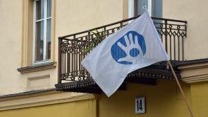 Republiken Užupis flagga i Vilnius.
