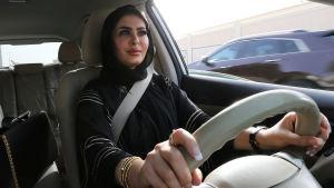 Kvinnor fick i fjol rätt att köra bil samtidigt som kvinnosaksaktivister som kämpade för denna rättighet fängslades