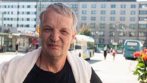 Porträtt på framtidsforskaren och docenten Osmo Kuusi