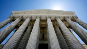 Donald Trump nimitti Brett Kavanaug'n korkeimman oikeuden tuomariksi pitkän kamppailun jälkeen.