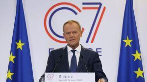 Donald Tusk talar på G7-mötet i Frankrike.