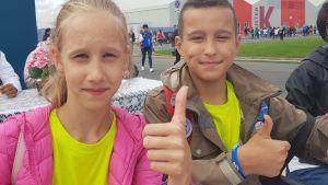 Polina Sjpinova och Michail Folja vill gärna gå någon yrkesutbildning när de blir större.
