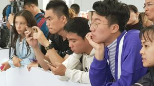 Åskådarna var ofta minst lika koncentrerade som de tävlande.