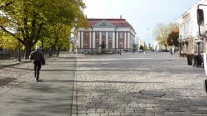 Lilltorget med stadsbiblioteket i Åbo