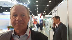 Vesa Klén från Craftmer i Åbo i förgrunden. Han är oroad över minskande affärsmöjligheter i Ryssland.