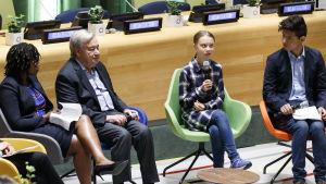 Klimataktivisten Greta Thunberg och FN:s generalsekreterare Antonio Guterres vid klimattoppmötet för unga i New York i september 2019.