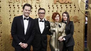 Bill Hader, Fred Armisen, Natasha Lyonne och Clea DuVall anländer till Emmygalan.
