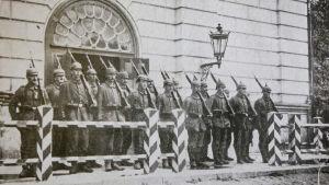 Dokumentti ensimmäisen maailmansodan aikaisesta sotilaallisesta koevaltiosta Baltiassa.