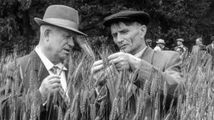 Dokumentti kertoo kahden hyvin erilaisen ihmiskohtalon 1920-luvun Neuvostoliitossa.