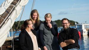Fyra personer ombord på allmogebåt i Korpoström.