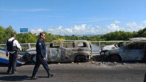 Sönderskjuten och bränd bil efter strider i Culiacán, Sinaloa i Mexiko 18.10.2019