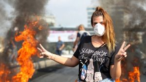En regeringsfientlig demonstrant i Beirut.