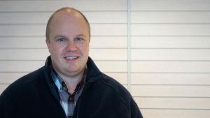 Porträtt på företagaren Marcus Högberg.