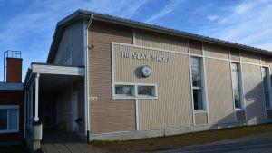 Hirvlax skola i Nykarleby.