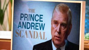 Prins Andrew på affisch.