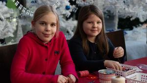 BUU-dagen i Hfors 2019. POrträtt på två flickor.