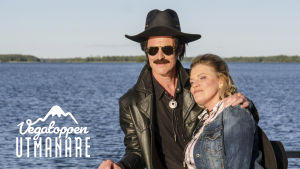 Kents Pappa Guy och Sonja Biskop med havet som bakgrund