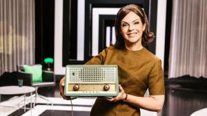 Uuden sarjan juontajana nähdään Anna-Liisa Tilus.