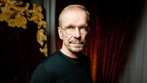 Jukka Puotila kertoo elämästään uudessa dokumentissa.