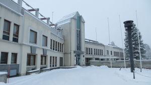 Keminmaan kunnantalo ei ole käytössä kosteusvaurioiden vuoksi