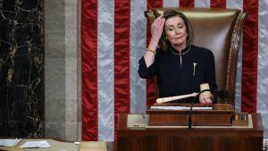 Representanthusets talman Nancy Pelosi på en arkivbild från den 18 december.