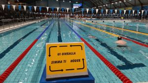 Kyltti Vaasan uimahallissa