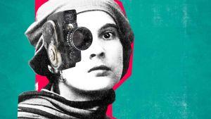 Nainen ja elokuvakamera. Osa julistekuvaa dokumenttisarjaan Women Make Film.