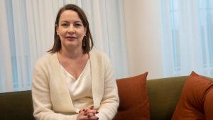 Porträtt på kommunikations- och marknadsföringsdirektör Liinu Lehto