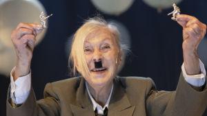 Seela Sella Hitler ja Blondi
