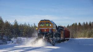 """Venäläinen """"lumensyöjä"""" juna."""