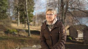 Carita Isaksson njuter av sin barndoms landskap i Houtskär