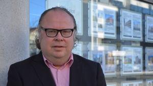 Porträtt av Lars-Johan Backman.
