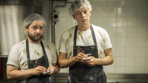 Ted Forsström och Kaj Korkea-aho medverkar på ett hörn i Virala genier.