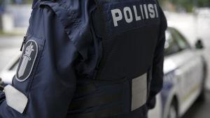 Polis i uniform.