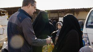Toimittaja Antti Kurosen dokumentti al-Holin leiriltä Syyriasta, jonne Isisin kalifaatissa eläneet suomalaisnaiset suljettiin.